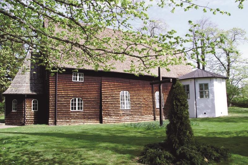 Pelarne Church