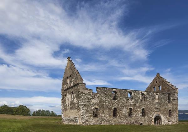 Die Ruine Visingsborg auf der Insel Visingsö