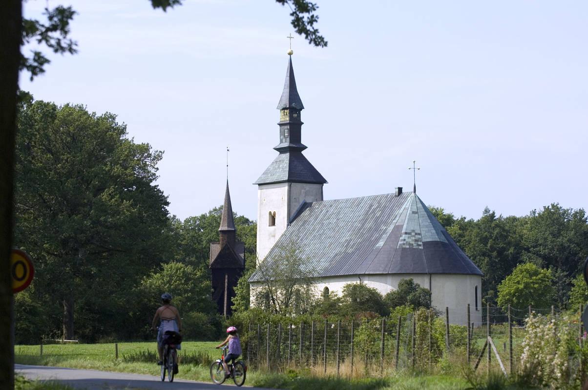 Die Kirche Brahe Kyrka auf der Insel Visingsö in Småland