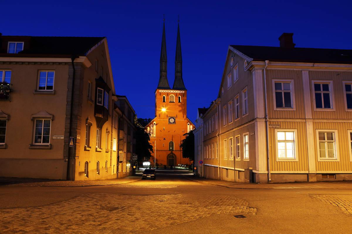 Dom von Växjö in Småland im Abendlicht