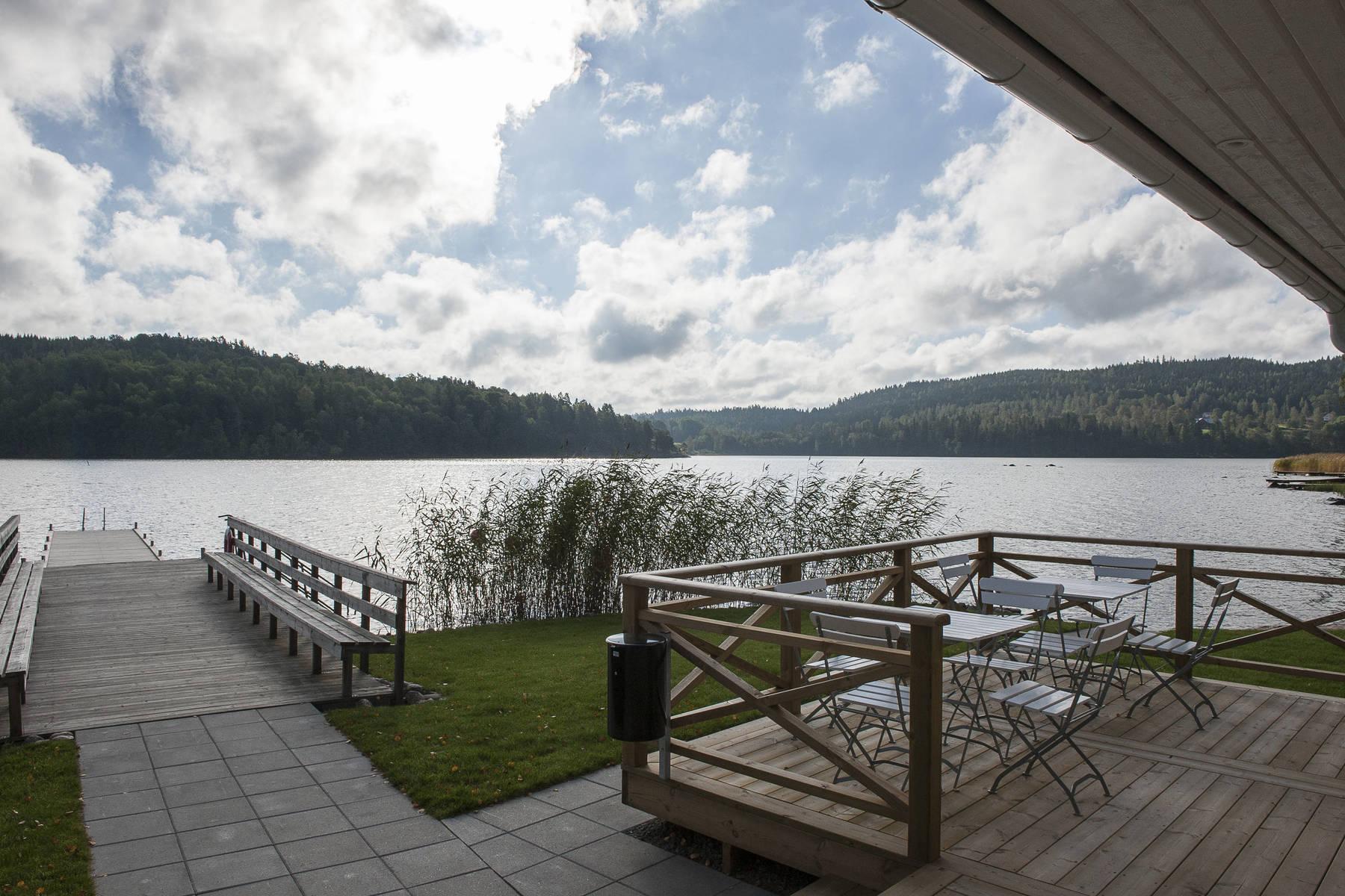 Der See Bunn vom Anleger des Hotels Bauergården aus