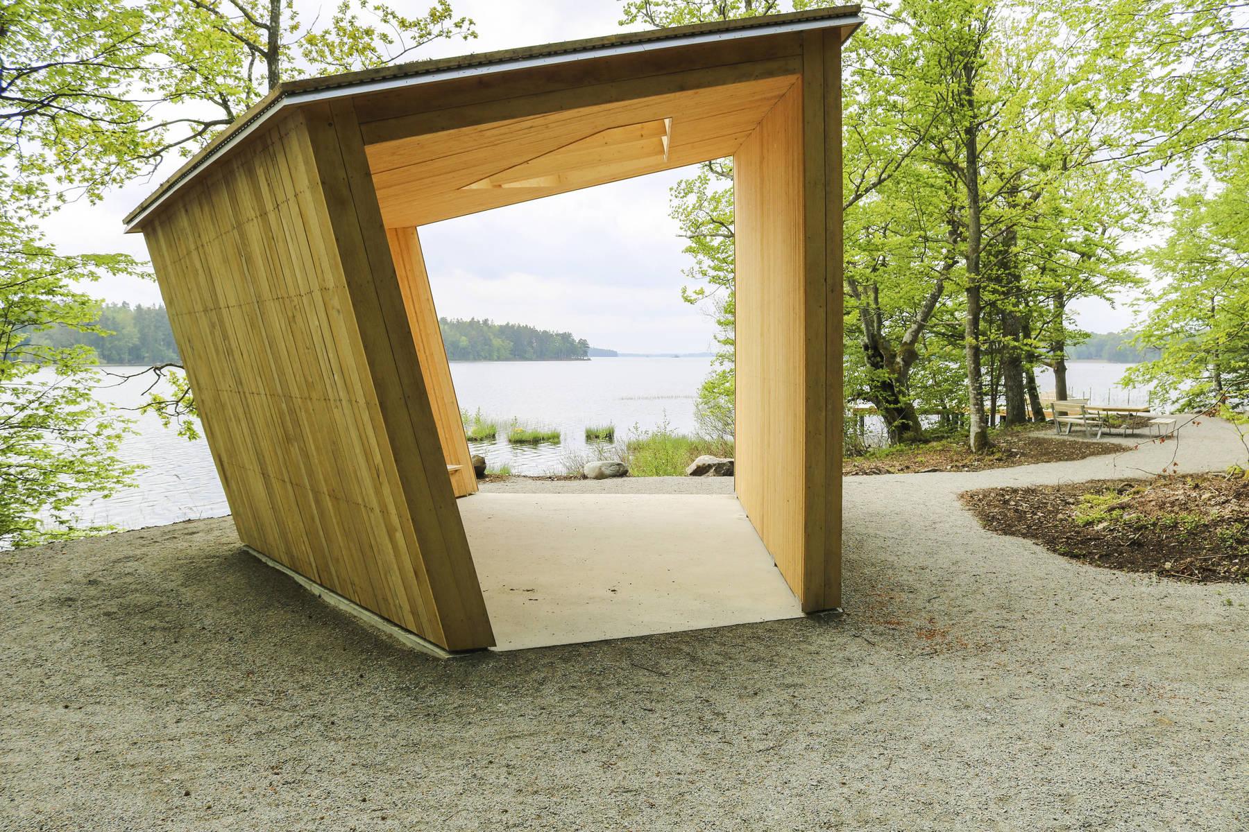 Windschutz bei Sunnabron im Nationalpark Åsnen in Småland in Schweden