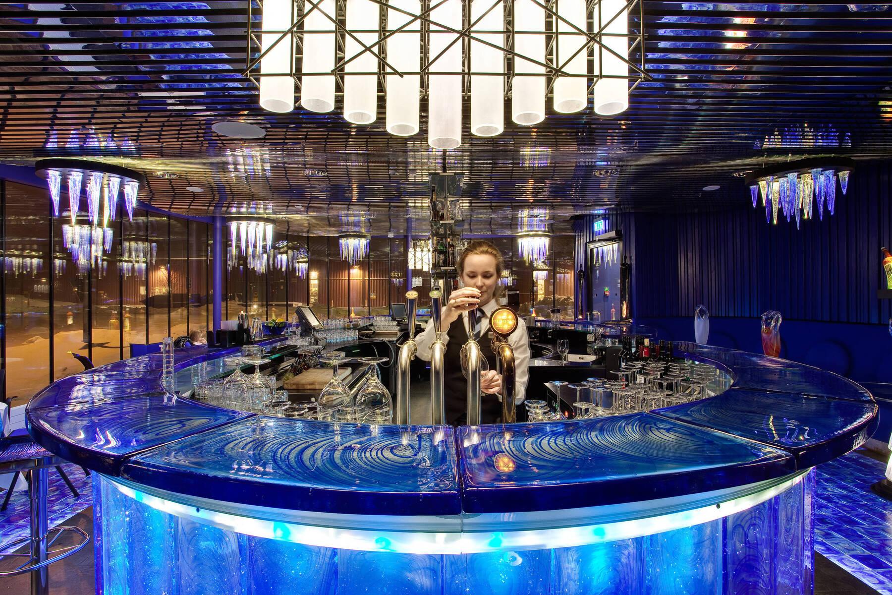 Glasbar im Kosta Boda Arthotel