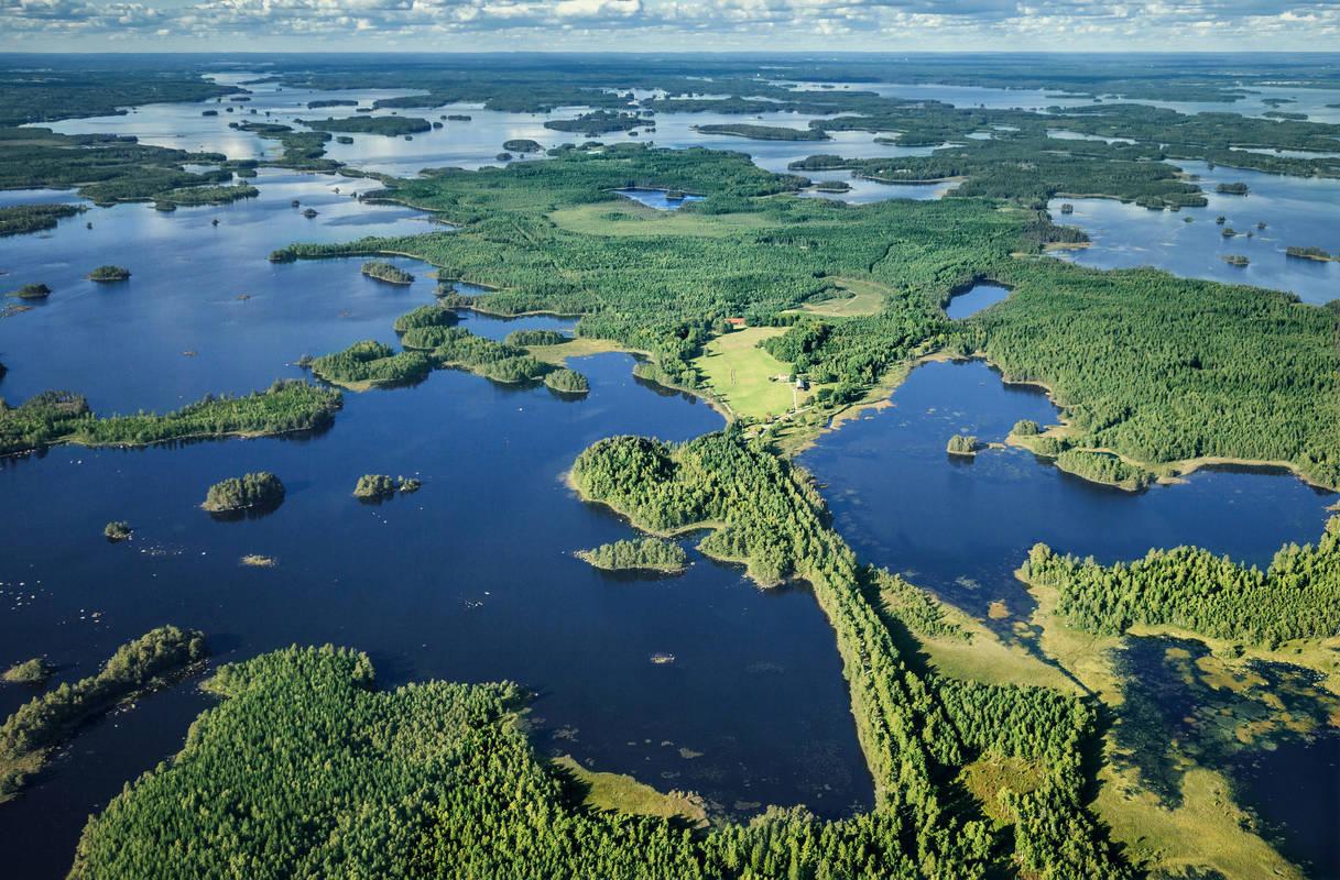 Der See Åsnen