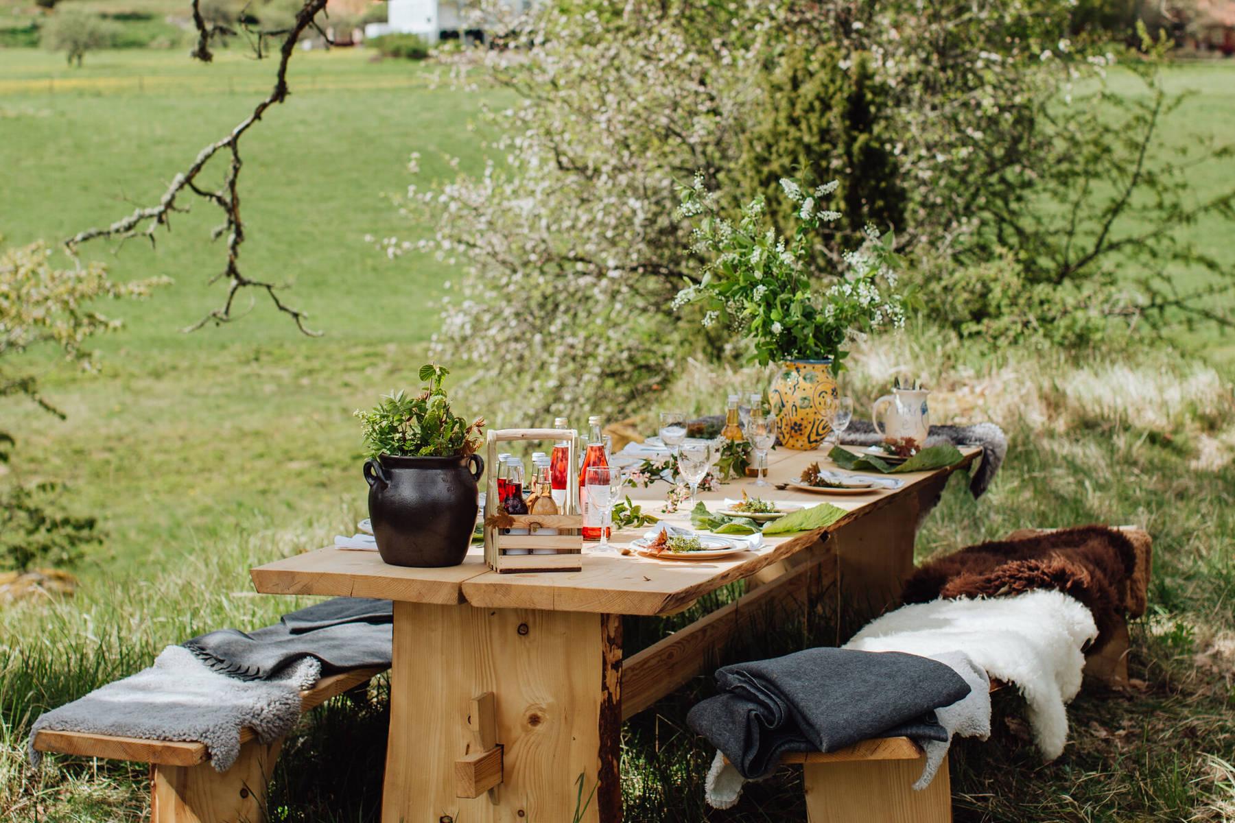 Ein Land wird Restaurant: Outdoor-Tisch bei Wallby Säteri