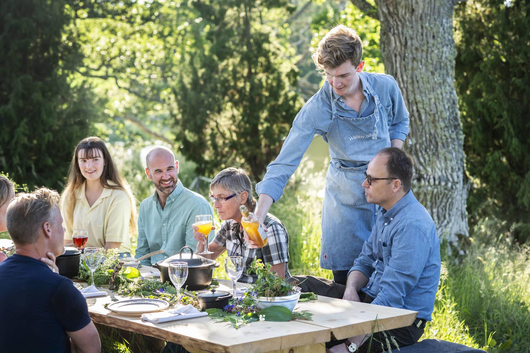 Enjoy the meal at Wallby Säteri
