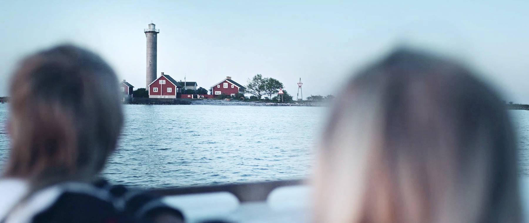 I båt mot Garpen fyr
