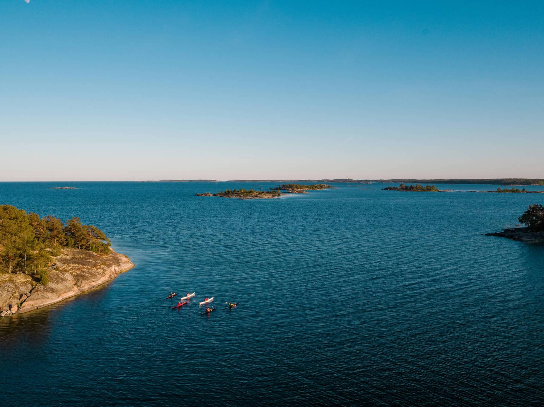 Kayaking among the islands in Västervik