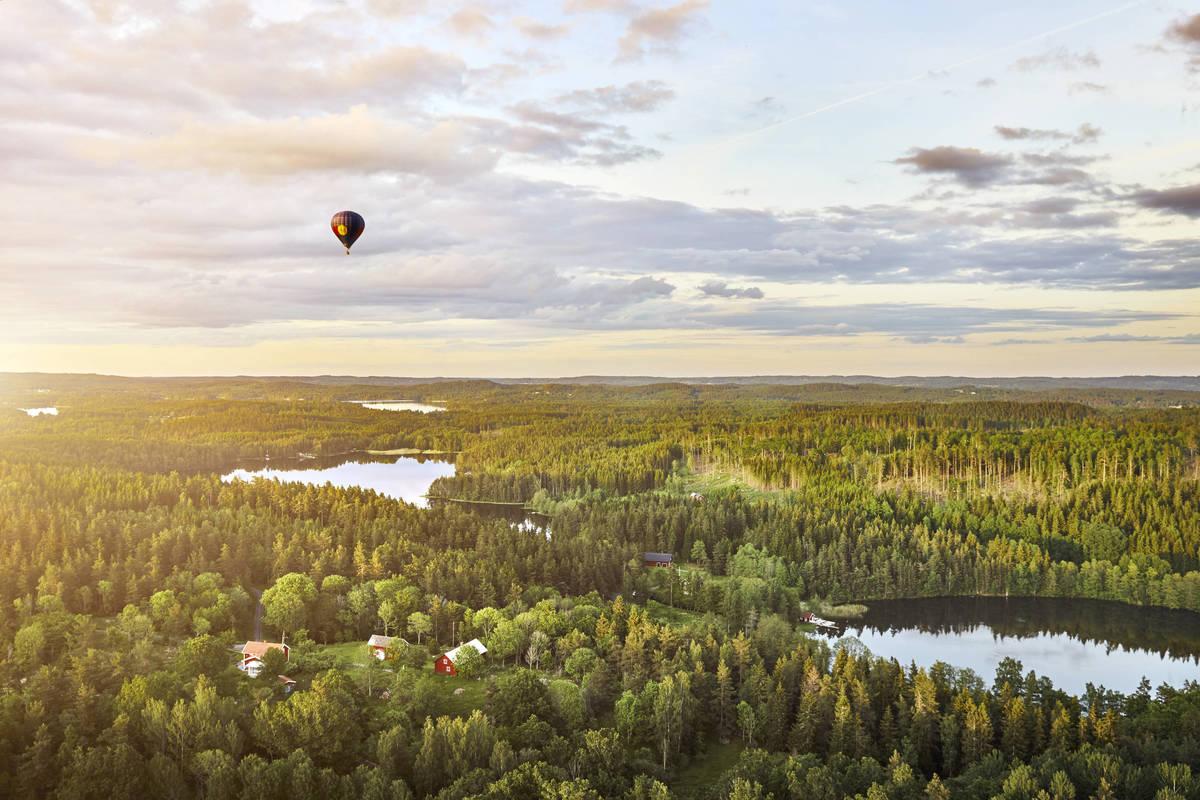Luftballong över småländska Gränna