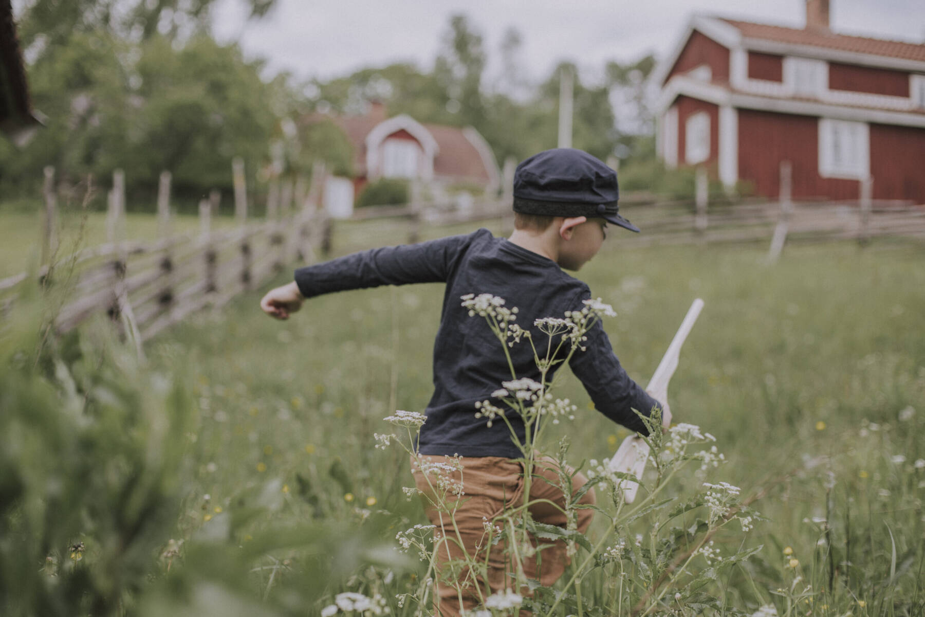 pojke leker Emil i Lönneberga i Småland