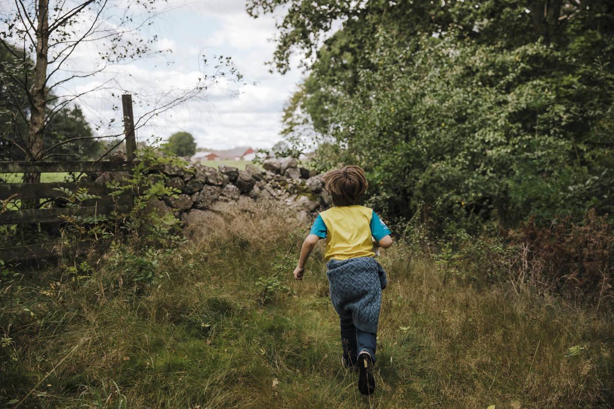 barn springer i Småland