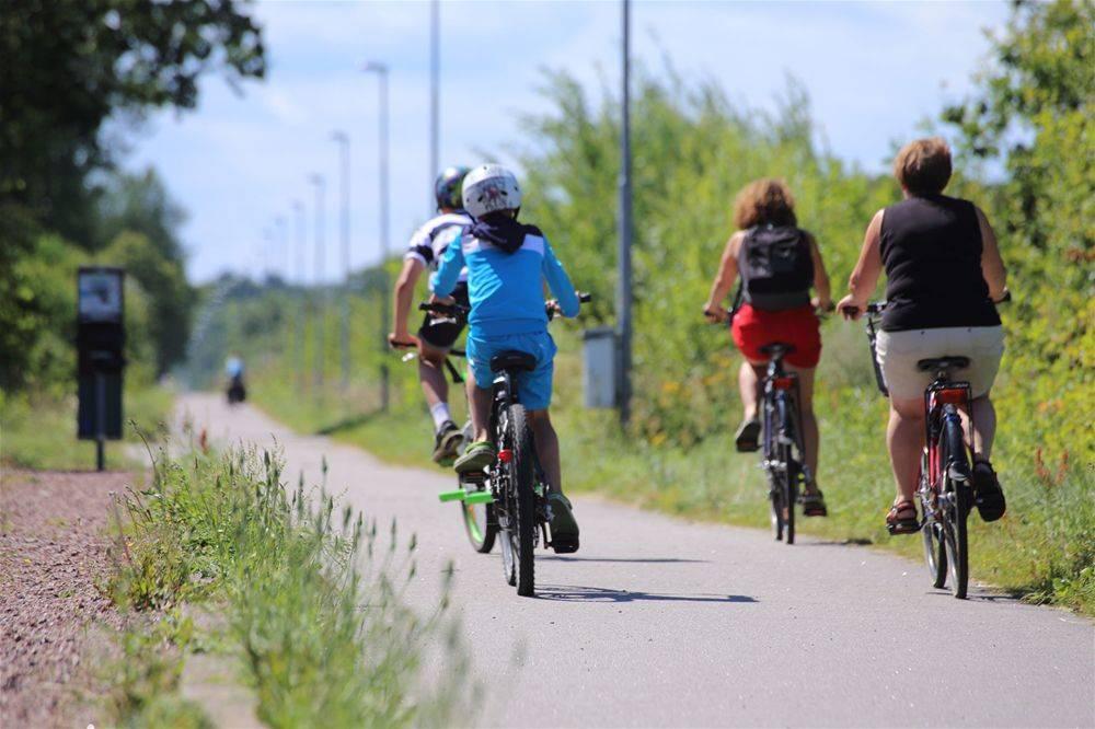 Personer som cyklar i Kalmar